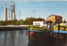 34 .n° 21639 . Frontignan . Le Canal Et Les Appareils De Distillation . Cpsm.10.5 X 15cm . - Frontignan