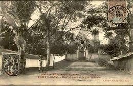 DAHOMEY - Carte Postale - Porto Novo - Une Avenue Et La Cathédrale - L 53247 - Dahomey
