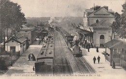 Rare Cpa Fontainebleau Intérieur De La Hgare Animée Avec Trains à Vapeur - Fontainebleau
