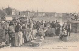 CPA - Débarquement Des Oranges Pour Les Revendeuses - Vieux Port De Marseille - Marchands Ambulants