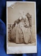 Photo CDV Gallas Ainé à Chartres - Second Empire Vieille Femme à La Coiffe, Crinoline, Circa 1865 L487 - Foto