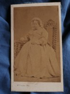 Photo CDV  Leclerc à Chartres  Femme âgée Corpulente Assise  Coiffe  Sec. Empire  CA 1865 - L487 - Fotos