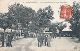 MAISONS LAFITTE - N° 33 - AVENUE DUMESNIL - RETOUR DES COURSES - Maisons-Laffitte