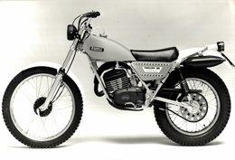 Fantic Motor Caballero125 Trial +-22cm*14cm Moto MOTOCROSS MOTORCYCLE Douglas J Jackson Archive Of Motorcycles - Other
