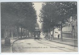 CPA - 63 - CLERMOND-FERRAND - Boulevard Trudaine - TRAMWAY Avec Pub - Petite Animation  - TBE - - Clermont Ferrand