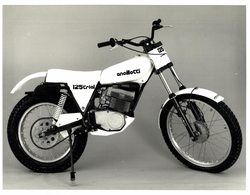 Accillotti 125Trial +-23cm*17cm Moto MOTOCROSS MOTORCYCLE Douglas J Jackson Archive Of Motorcycles - Photographs