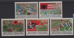 ARM 3 - ALBANIE N° 1728/32 Neufs** - Albanie