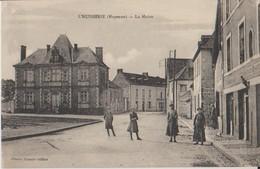 53 L'Huisserie Place De La Mairie Animée  -07 - Frankrijk