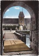 SPONTIN-sur-BOCQ: Château Féodal ,Porche Du Pont-Levis ( XIIe-XVIe) - België