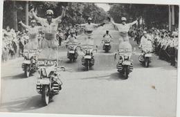 Sport :  Moto :  L ' équipe Des  Motards , Vérigoud Soda, Cinzano , Parade - Motorradsport