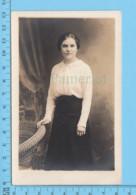 Carte-photo ( Photo Femme  )  Papier  AZO 1904-1918 - Photographs