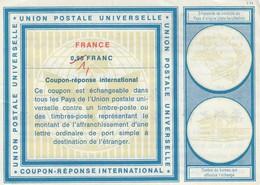 COUPON-REPONSE INTERNATIONAL. UPU. FRANCE. 0,90 FRANC RECTIFIÉ 1 FRANC   / 2 - Antwoordbons