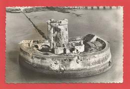 """C.P.S.M. Petit Format (17 )  """" Le Fort Du Chapus  """" Vue Aérienne     X 2 Photos - France"""