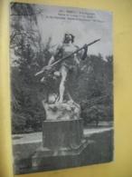 "54 2431 CPA 1919 - VUE DIFFERENTE N° 1 - 54 NANCY. A LA PEPINIERE. STATUE DU GROUPE ""ON VEILLE"" - Nancy"