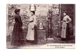 Mauleon-Licharre. Jeunes Basquaises Et Leurs Ferretas - Mauleon Licharre