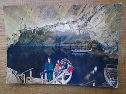 Belgique , Grottes De Han-sur-lesse , L'embarquement - België