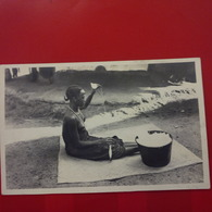 CARTE PHOTO GUINEE FILEUSE GUERZE FEMME NU - Mozambique
