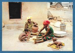 L'AFRIQUE EN COULEURS POTERIE VILLAGEOISE - Cartoline