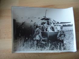 Guerre 39.45 Photo De Presse Planeur Anglais  Dans 1 Prairie - Guerre, Militaire