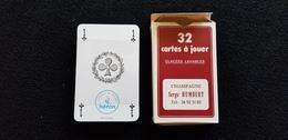 Boite Carton De Carte A Jouer Rouge Publicitaire CHAMPAGNE Serge HUMBERT Mutigny 51 AY Jeu 32 Cartes ( Bouteille De ) - Cartes à Jouer Classiques
