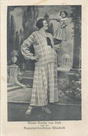 Riesin Kaatje Von Dyk Und Das Puppenprinzesschen Elisabeth           Ca. 1910 - Europa