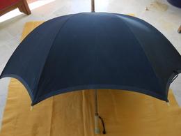 Parapluie Ancien Pour Théâtre, Déguisement... - Umbrellas, Parasols