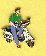 @@ Peugeot Scooter Blanc Arthus Bertrand Tee Shirt Vert Pantalon Bleu @@ab96 - Arthus Bertrand