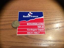 AUTOCOLLANT, Sticker *** «Radio France ROUSSILLON (66) 101.0 - Cerdagne Capcir 105.9/106.7» - Autocollants