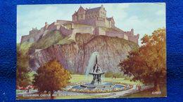 Edinburgh Castle And Ross Fountain Scotland - Midlothian/ Edinburgh