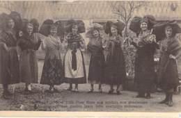 MILITARIA Evènement - 67 - HAGUENAU - ENTREE DES TROUPES FRANCAISES : Nos Gracieuses Alsaciennes En Costumes - CPA - Guerra 1914-18