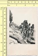 REAL PHOTO Beach Scene People, Men Women Boy - Plage Personnes, Hommes Femmes Garcon ORIGINAL SNAPSHOT PHOTOGRAPH - Anonyme Personen