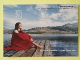 AIR FRANCE AVIGNON - Femme Au Bord De L'eau - L'Espace Première / Avion - Carte Publicitaire - Avions