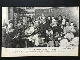 CPA Lutte Contre La Mortalité Infantile Dans Le Nord Consultation De Nourrissons Très Animée - France
