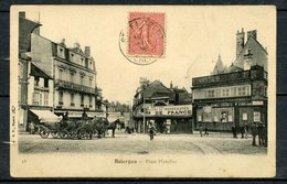 BOURGES ( CHER ) - PLACE PLANCHAT - ATTELAGES ATTENDANT LE CLIENT - ANIMEE. - Bourges