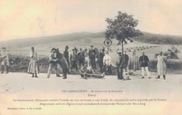 J48 - 54 - VIC-ARRACOURT - Meurthe-et-Moselle - Gendarmerie Allemande Interdit L'entrée - Montreurs D'ours - Romanichels - France
