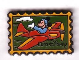 BD189 Pin's Signé Disney MICKEY AVION TIMBRE POSTE Achat Immédiat - Disney