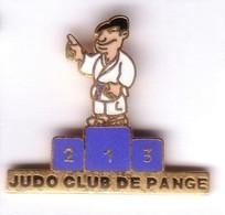 C81 Pin's JUDO PANGE MOSELLE PODIUM BLEU Qualité EGF Achat Immédiat - Judo