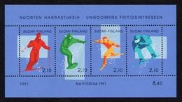 FINLAND 1991 Youth Hobbies/Alpine Skiing: Miniature Sheet UM/MNH - Hojas Bloque