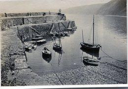 Photo D'un Petit Port De Pêche Avec De Petit Bateau De Pêche - Lieux