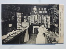 """75 PARIS Carte Célèbre Et Rare En état Concours - Magasin De Cartes Postales """"À Sainte-Marie"""" Au 57 Rue Bonaparte TAB730 - Arrondissement: 06"""