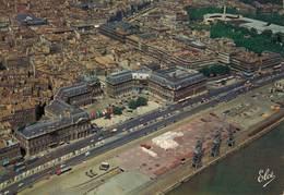 Bordeaux Vue Generale De La Place De La Bourse Au Fond Le Grand Theatre Et Les Allées De Tourny 1972 CPM Ou CPSM - Bordeaux
