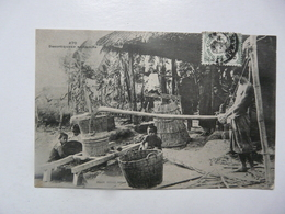 CPA ASIE - VIETNAM (Cochinchine) : Décortiqueur Annamite - Vietnam