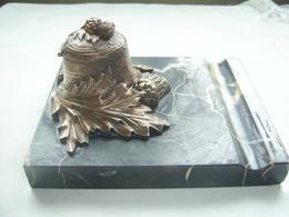 ENCRIER ANCIEN EN BRONZE SIGNE - Bronzen