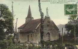 LA CLAYETTE  Chapelle De La Croix Bouquet Au Fond Les Montagnes De Dun Colorisée RV - Autres Communes