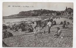 LE HAVRE - N° 155 - LA PLAGE AVEC PERSONNAGES - LEGEREMENT ABIMEE AU DOS - CPA VOYAGEE - Cap De La Hève