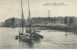 Calais - Bateaux De Pêche Dans Le Port - Calais