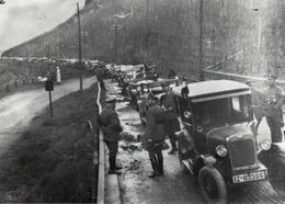 Grande Reproduction Photo Originale Guerre 1914/18 - Cortège Et Automobiles Menant Au Conflit Franco-Allemand Vers 1910 - Reproductions