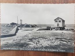 Tregunc.station Du Bateau De Sauvetage Et Le Phare De La Pointe De Trevignon.semi Moderne Petit Format - Trégunc