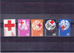 PAYS BAS 1972 CROIX ROUGE Yvert 966-970 NEUF** MNH - Period 1949-1980 (Juliana)