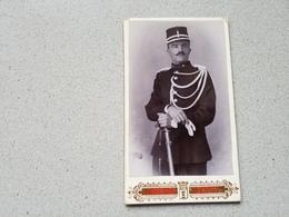 Photo Originale  Sur Carton Dur Gendarme En Studio Photographe De Tournai - Cartes Postales
